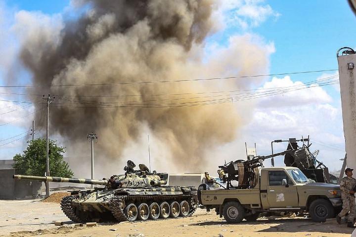 Általános mozgósítás Kelet-Líbiában