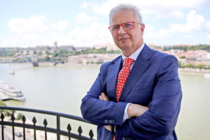 Újra kulcsszerepben Magyarország és a V4-ek