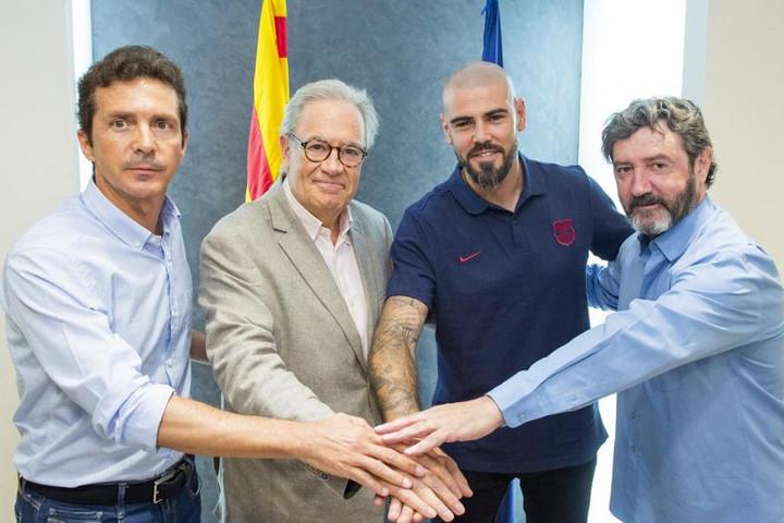 Víctor Valdés visszatér a Barcelonához