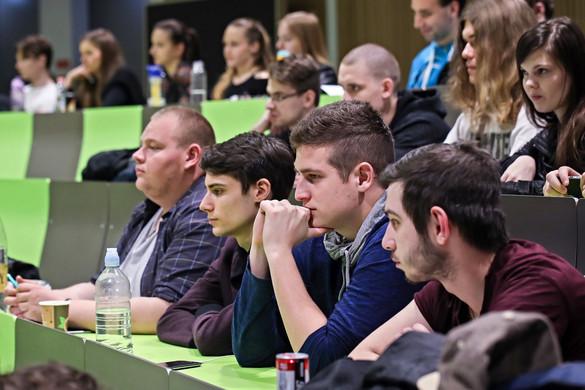 A diplomások arányát tovább kell növelni