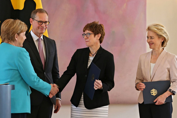 Kramp-Karrenbauer lett az új védelmi miniszter