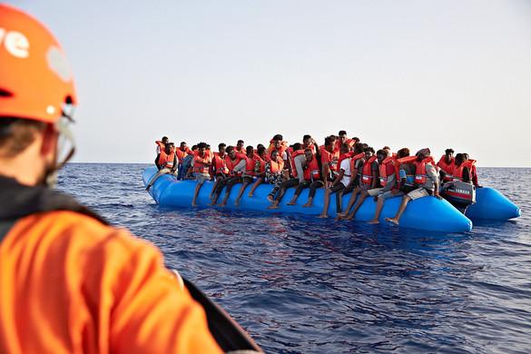 Ismét migránsokat hozott a Sea-Eye