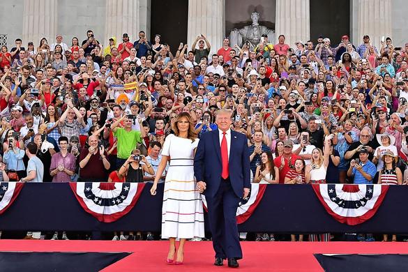 """Donald Trump: """"Amerika most erősebb, mint valaha"""""""