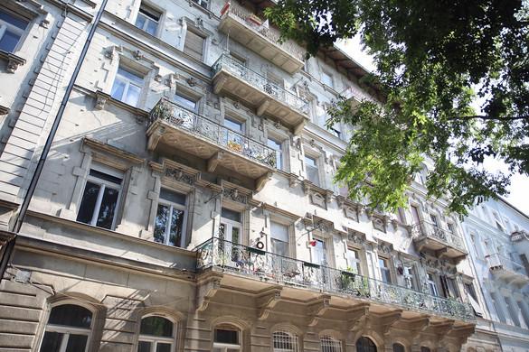 Augusztusban jöhet a fordulat a lakáspiacon
