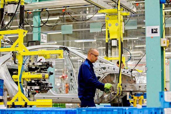A globális autópiac visszaesik, a magyarországi gyártásban azonban élénkülés volt év elején