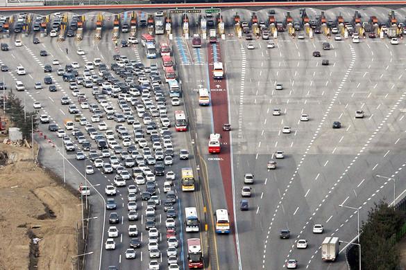 Autósok nyári rémálma a fizetőkapus rendszer