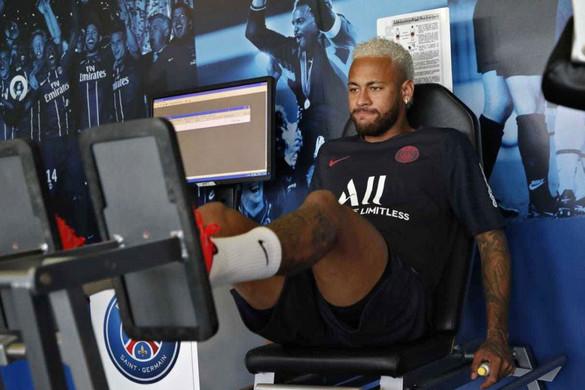 Egy párizsi és egy barcelonai szék – a pad alá kerülhet Neymar