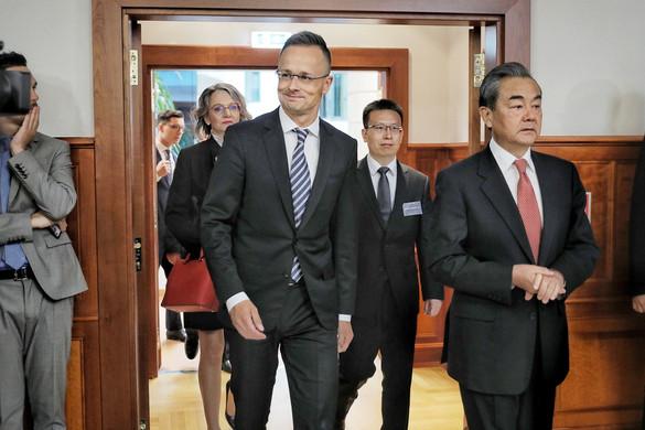 Szijjártó: Ideje újabb célokat kitűzni a magyar-kínai együttműködésben