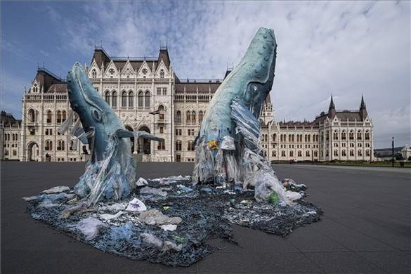 A Parlament előtt akciózott a Greenpeace