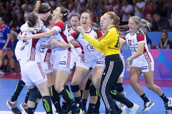 Kézilabda: Európa-bajnoki döntős a női juniorválogatott