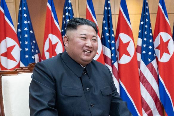 Észak-Koreában alkotmánymódosítással névleges államfővé nevezték ki Kim Dzsong Unt