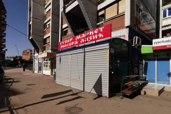 A helyi szerbek bezárták az összes élelmiszerboltot Észak-Koszovóban