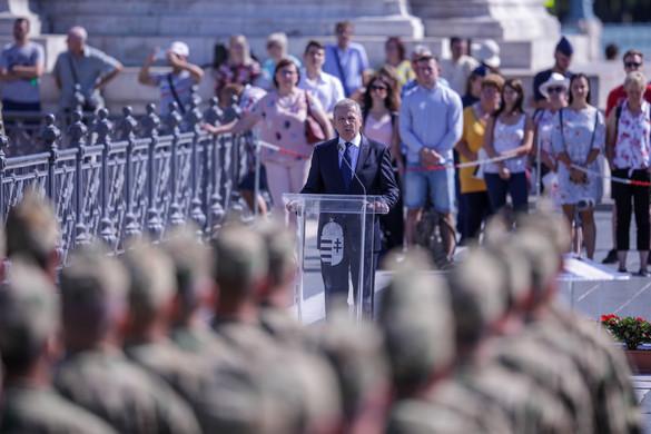 Benkő Tibor: Felkészült katonákat igényel a haderő korszerűsítése