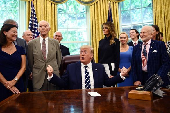 Trump a Fehér Házban fogadta az 50 évvel ezelőtti Holdra szállás két űrhajósát