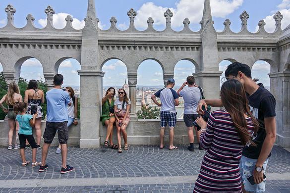 Erősen kezdte a turizmus a negyedik negyedévet