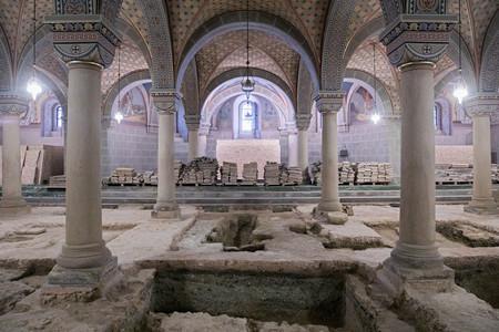 Péter király sírja évszázadok óta ürességtől kong