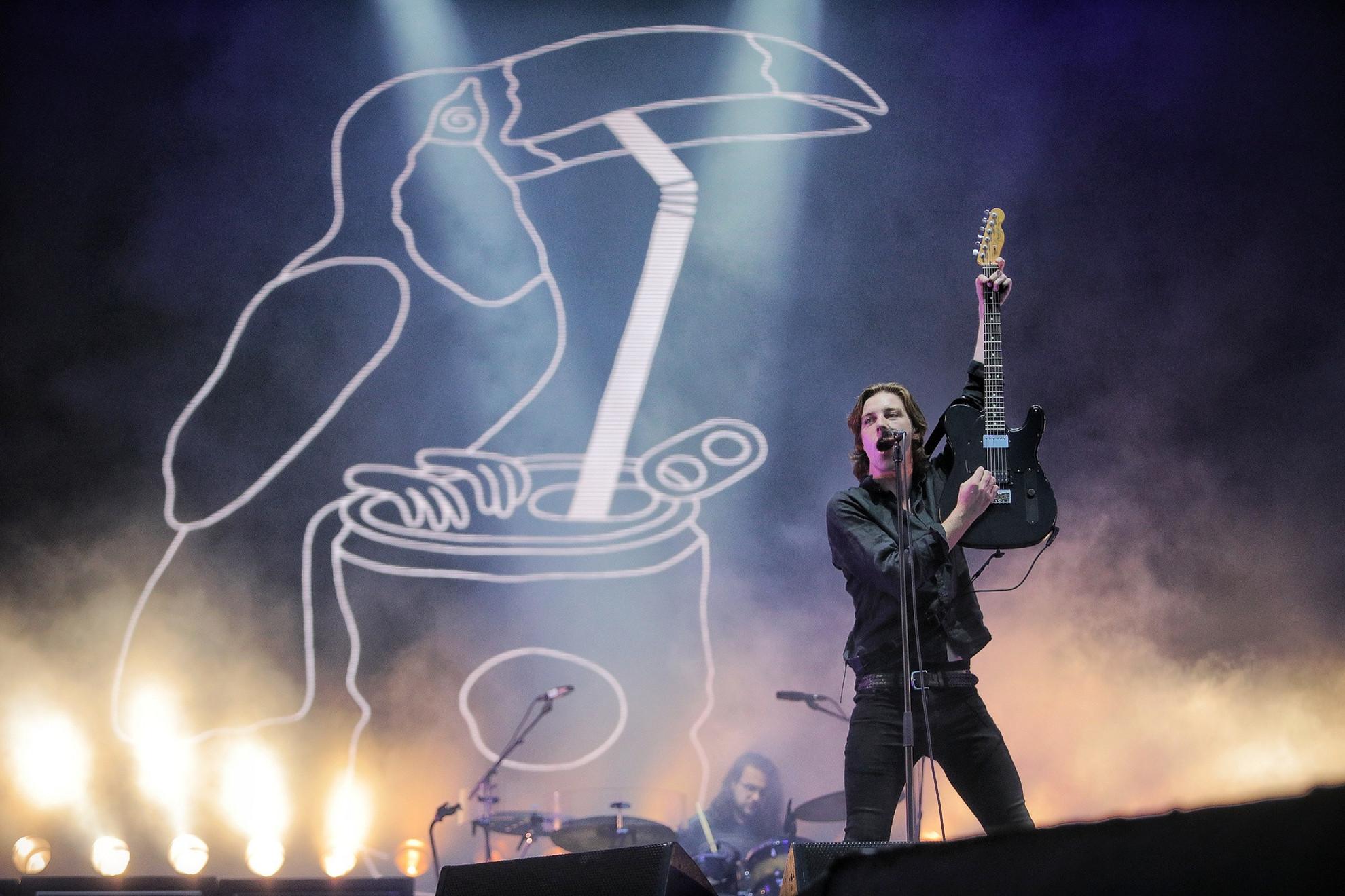 A Catfish and the Bottlemen egy lendületes bulival ágyazott meg a Florence and the Machine koncertjének