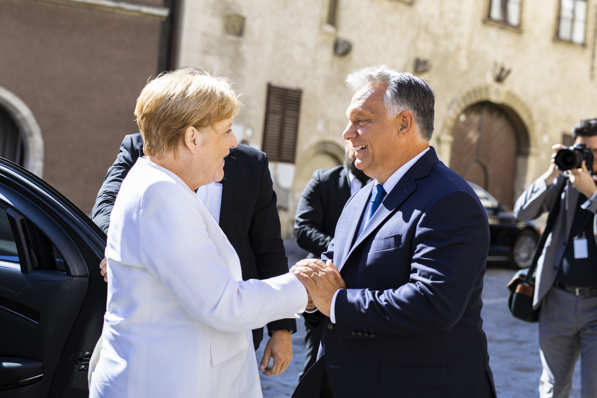 Orbán Viktor kormányfő fogadja a Páneurópai Piknik 30. évfordulója alkalmából érkező Angela Merkel német kancellárt Sopronban