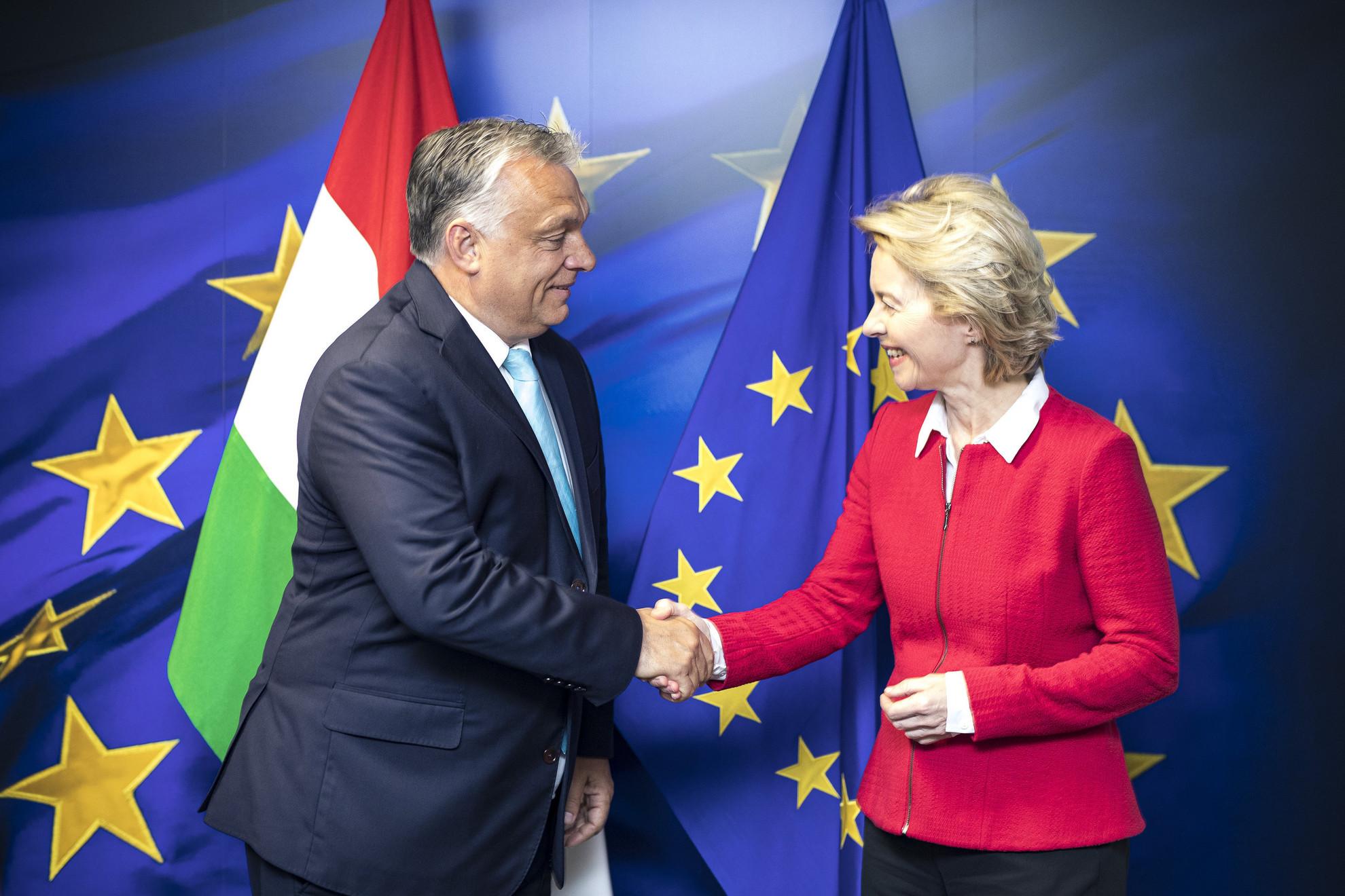 A Miniszterelnöki Sajtóiroda által közreadott képen Orbán Viktor miniszterelnök és Ursula von der Leyen, az Európai Bizottság új elnökének találkozója Brüsszelben 2019. augusztus 1-jén