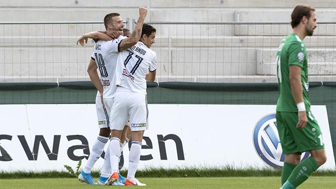 A fehérvári Futácsot ünneplik a társak, aki már ötödik gólját szerezte a bajnokságban