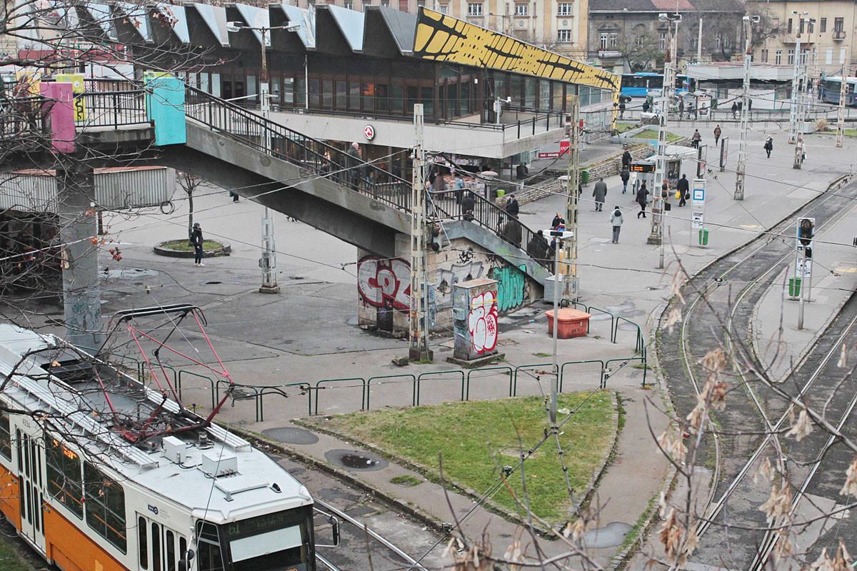 Akkor. A Demszky által ígérgetett felújításból regnálása alatt a budapestiek semmit nem láttak