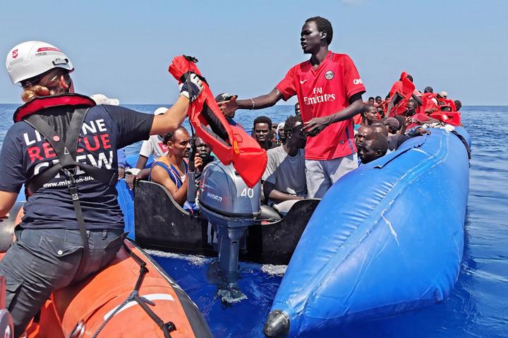 Folytatódik az NGO-hajók játszmája