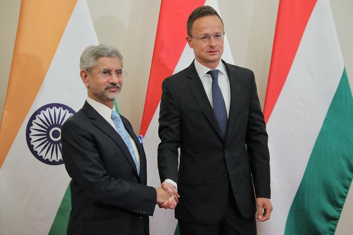 Szijjártó: Szorosabbra kell fűzni az együttműködést Indiával