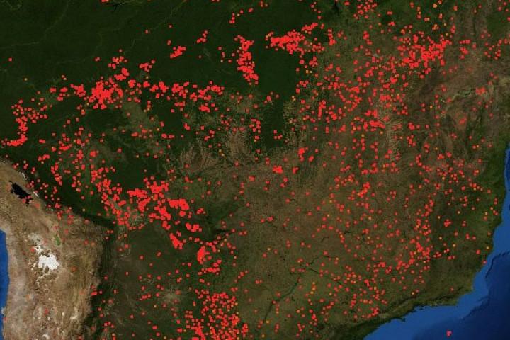 Brazília elnöke azt mondja, nem tudnak tenni az amazóniai erdőtüzek ellen
