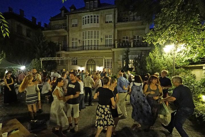 Utolsó tánc a nyáron a Benczúr Kertben