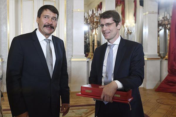 Roska Botond neurobiológus kapta a Magyar Szent István-rend kitüntetést