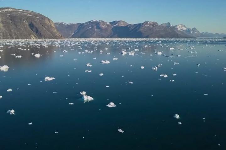 Tízmilliárd tonna jég olvadt el Grönlandon egy nap alatt
