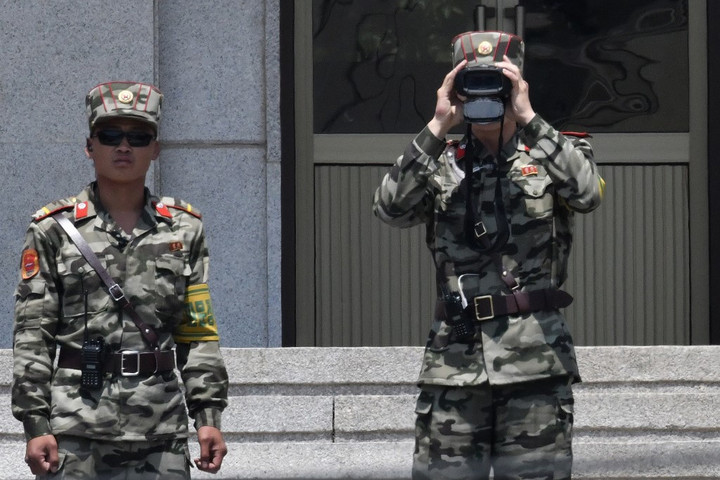 Átszökött egy észak-koreai katona Dél-Koreába