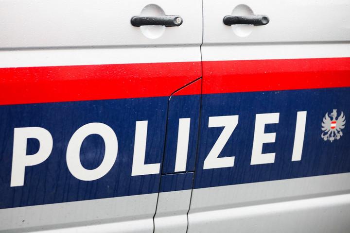 Késsel támadt rendőrre egy afgán férfi Bécsben