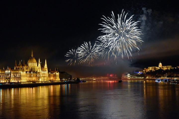 Európa legnagyobb fény- és tűzijátékát szervezik meg augusztus 20-ra
