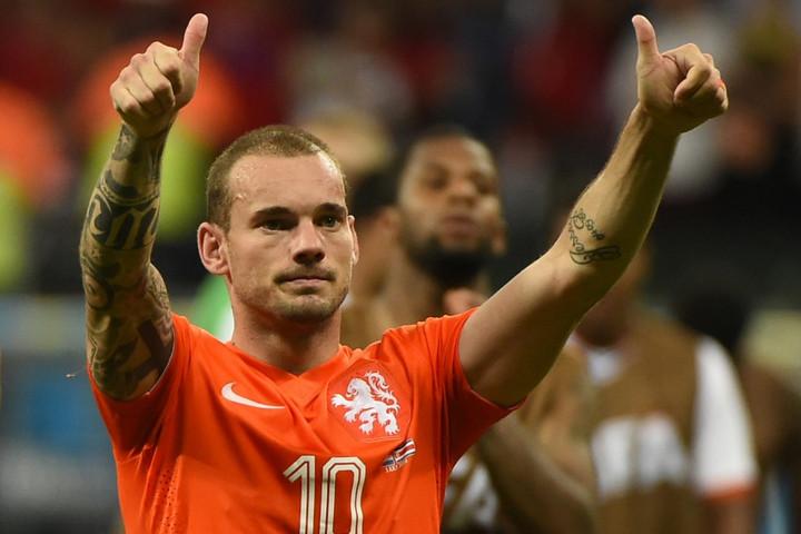 Bejelentette visszavonulását Wesley Sneijder