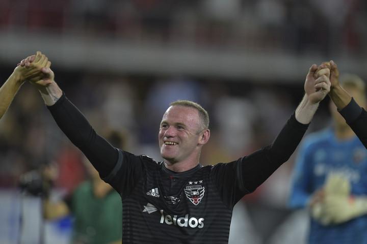 Wayne Rooney visszatér Angliába