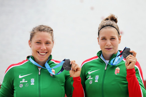 A Takács-Balla kenupáros ezüst-, Kozák Danuta bronzérmes a világbajnokságon