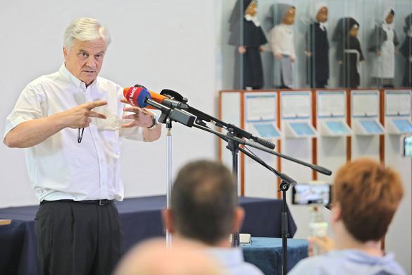 Nagy magyar orvosi siker  a sziámi ikrek szétválasztása