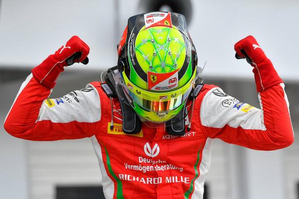 Mick Schumacher először nyert a Forma-2-ben