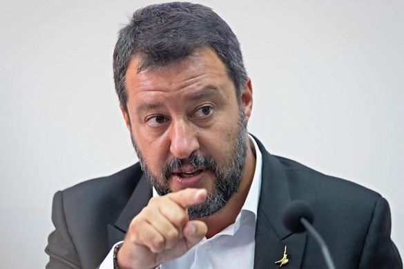 Salvini: Conte menekülttáborrá változtatja Olaszországot