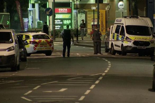 Machetével támadt rendőrre egy férfi Londonban