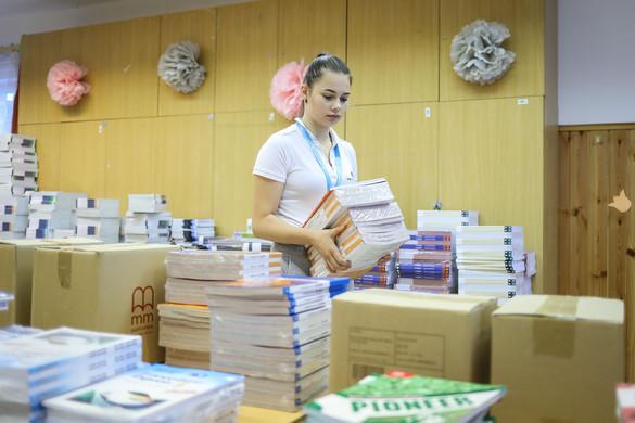 Jövő szeptembertől minden közoktatásban tanuló diák ingyen kapja a tankönyveit