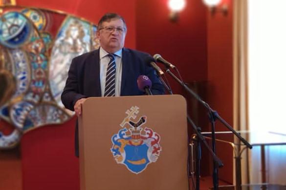 Dr. Mosóczi László közlekedéspolitikáért felelős Államtitkár sajtótájékoztatót tartott csütörtökön az állami útépítési törekvésekről