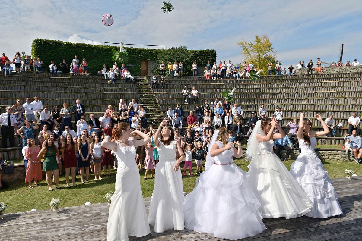 A NOE Őszi Találkozója keretében öt fiatal pár kötött egy időben házasságot