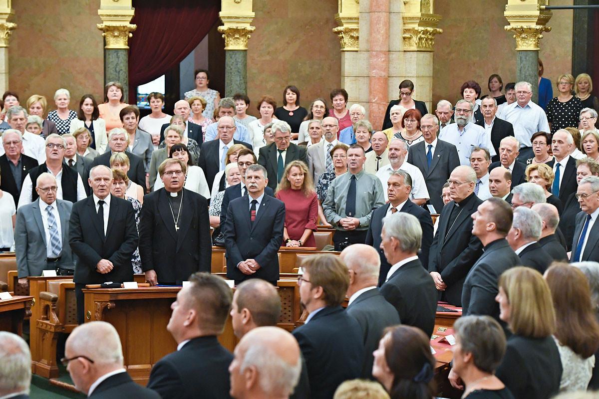 A liberális demokráciákkal szemben Közép-Európában ma kulturális és civilizációs életerő nyilvánul meg, ami nyilvánvalóan a kereszténységből fakad – hangsúlyozta a miniszterelnök