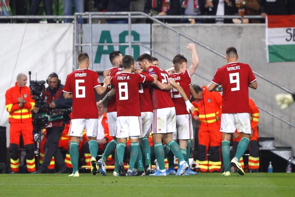 Szoboszlai gólja után ünnepelnek a játékosok