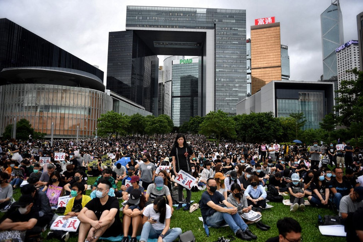 Több száz hongkongi egyetemi hallgató és iskolás bojkottálta a tanítást