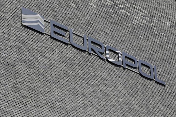 Nyugat-balkáni embercsempész bandát számolt fel az Europol