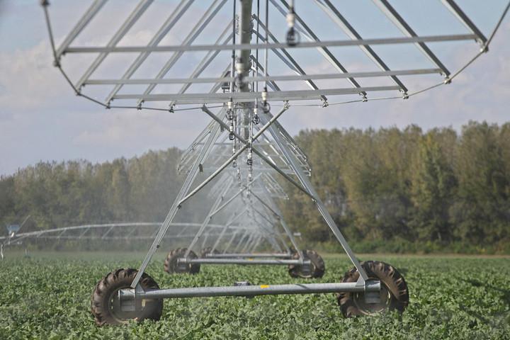 Felmérések zajlanak az öntözéses gazdálkodás elterjesztéséért és kiépítéséért