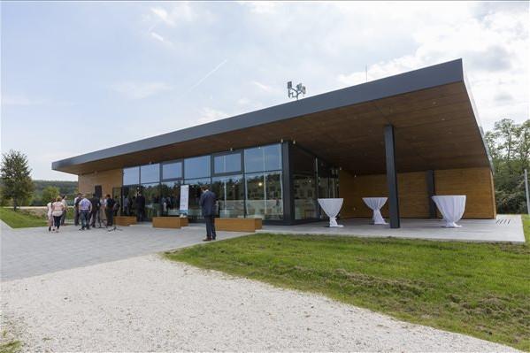 Átadták a Páneurópai Piknik Emlékpark Látogatóközpontját